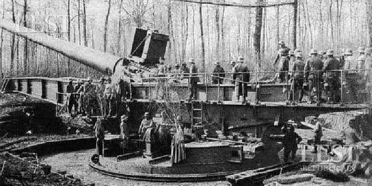 le-canon-allemand-avait-une-portee-de-47-km-et-pouvait-donc-bombarder-verdun-1433506190